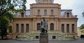 Кому нужна территория Университета имени Лесгафта?