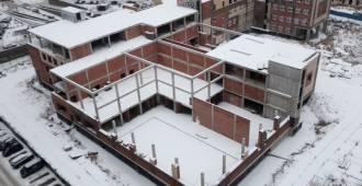 Школьные иллюзии Смольного. Чиновники не желают признавать аварийной стройку в «губернаторском» районе