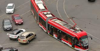Трамвай до Славянки остановился на пересадочной