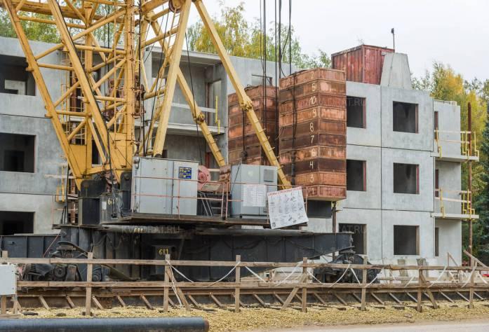 ЖК «в микрорайоне Ленсоветовский»: ход строительства (21.10.2015)