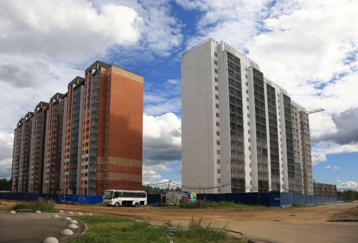 Строительство ЖК «Радужный» (27.08.2015)