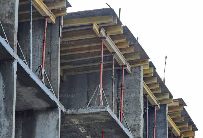 Строительство ЖК «Янинский каскад-4» (возведение шестого этажа)