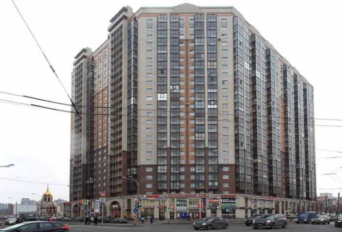 Жилой комплекс «Дом на Коломяжском, 15-1»: вид с улицы