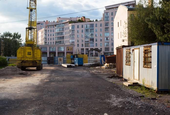 Участок строительства ЖК KingDOM: август 2017