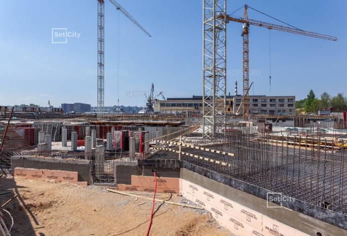 Ход строительства ЖК «Петровский Квартал на воде»: июнь 2018 г.